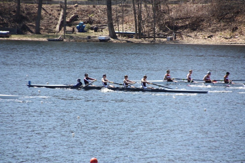 Nemo bending his oar with power in the 3V race!