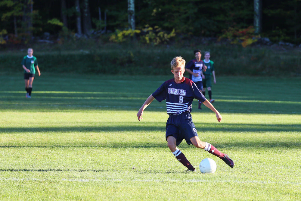 Boys Varsity Soccer vs. Hartsbrook School - October 7, 2016  - 49985 - 000122.jpg