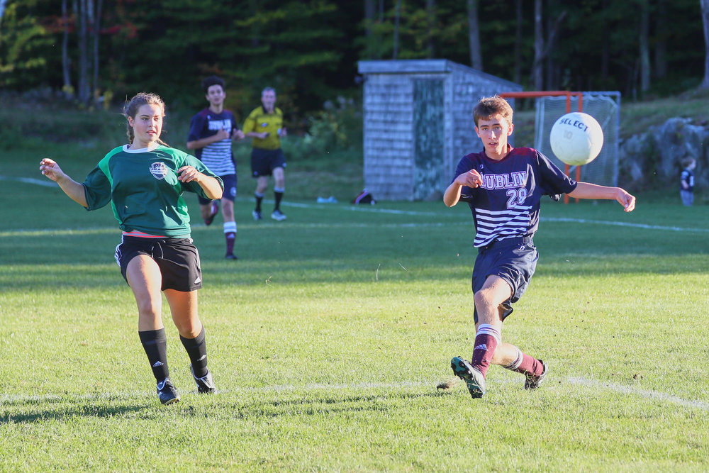 Boys Varsity Soccer vs. Hartsbrook School - October 7, 2016  - 49991 - 000123.jpg