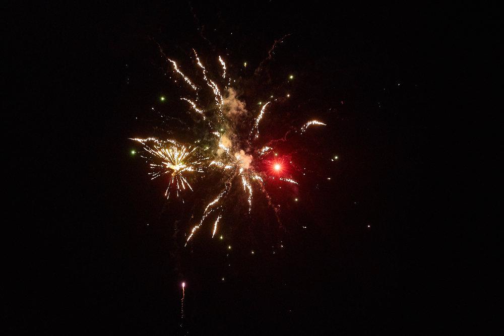 Celebration of Light -  3923 - 075.jpg