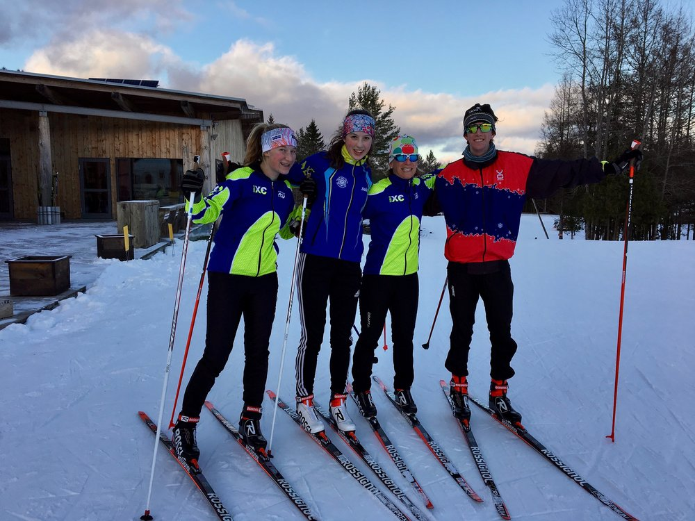 The DXC squad on their new Rossignol equipment.