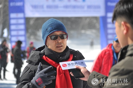 Li Yiyang, deputy director of Changbai Mountain Management Committee, was interviewed by the media.