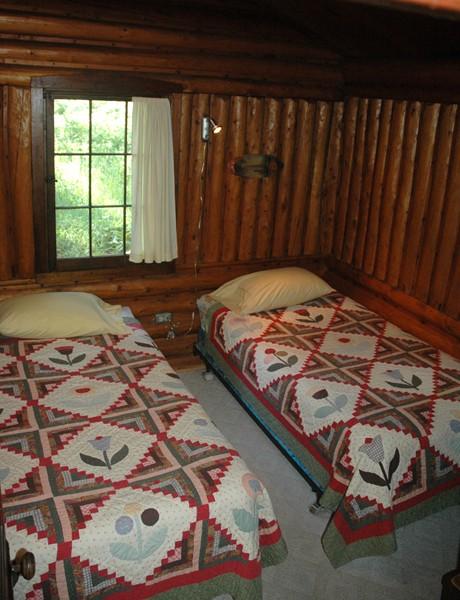 Tam bed2.jpg
