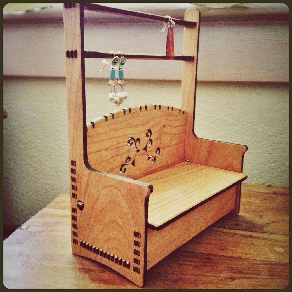 wood-earring-display-stand
