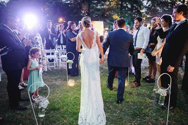Hermosa boda este sábado junto a un equipaso!  Gracias a @paula_torres_eventos y todo su Team por recibirme con la calidez de siempre! Desde 2014 empecé a hacer bodas en la pampa y ya se siente como si fuera un hogar más ❤️😊 Gracias a @luisinabassa de @megafonaudiovisual y a la @agusmalvicino que es una historia aparte que voy a contar uno de estos días 😊  Y que decir de @marielaalonso4  y @fernandogabrielquiroga que se bailaron todo y ni el calor pudo con ellos! Este sábado volvemos a la Pampa 😂 . . . . . #bodas #bodas2018 #bodasdiferentes #bodasoriginales #bodasconencanto