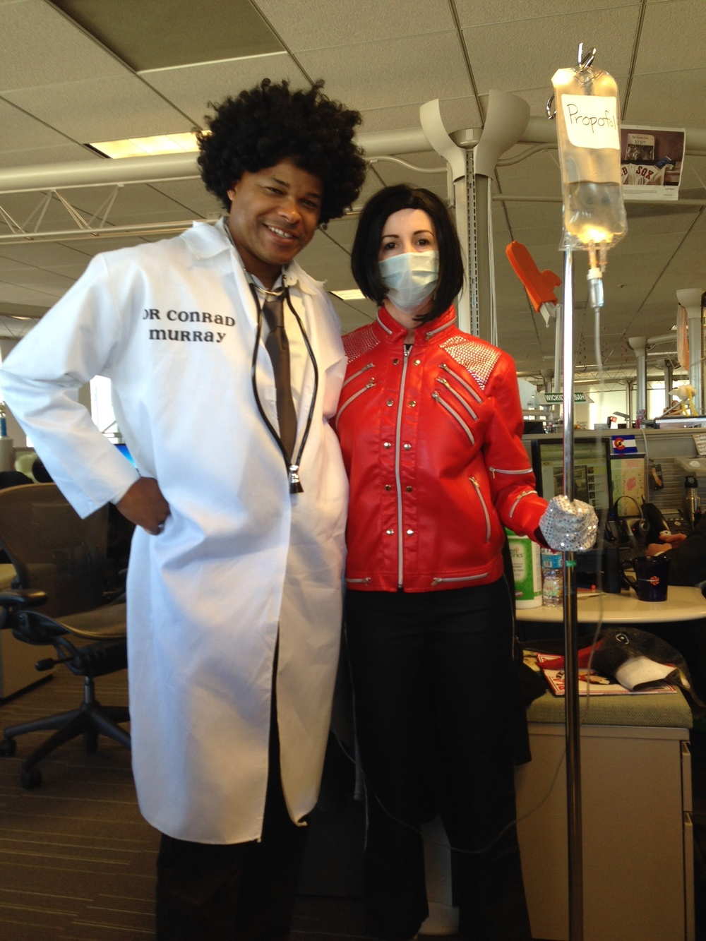 Vicky Pradhan tops off her thrilling Michael Jackson costume with an IV drip of propofol and blackout contacts!