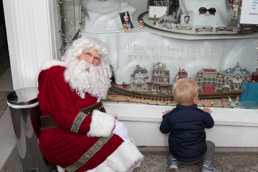 santa-outside-with-boy2.jpg