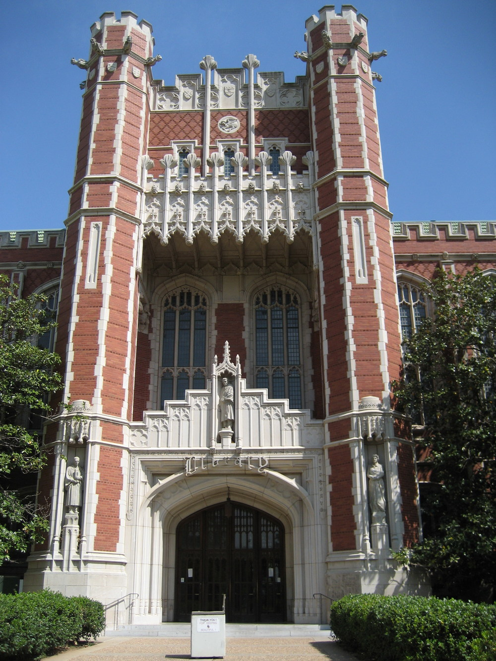 Bizzell_Library_4-15-2006_11-20-33_AM.jpg