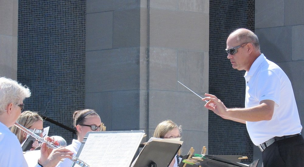 Conducting at Memorial Day Concert 5-25-15.JPG