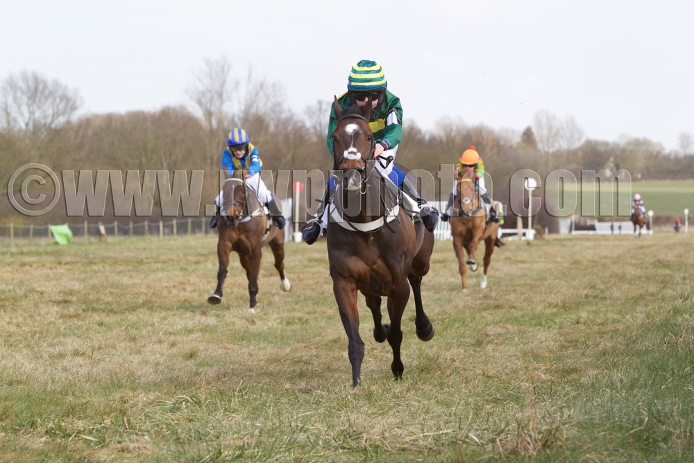 Hope wins pony race II under William Humphrey with Gwen (left, Joe Bradnam) second and KeepIt Real (Sam Wisbey) third