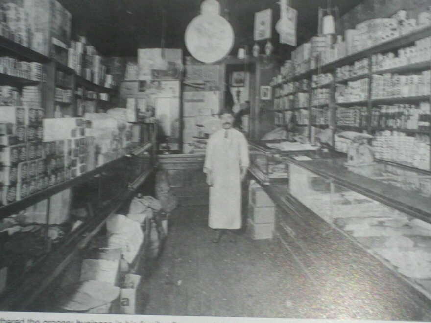 1912 Michael Couri grocery store