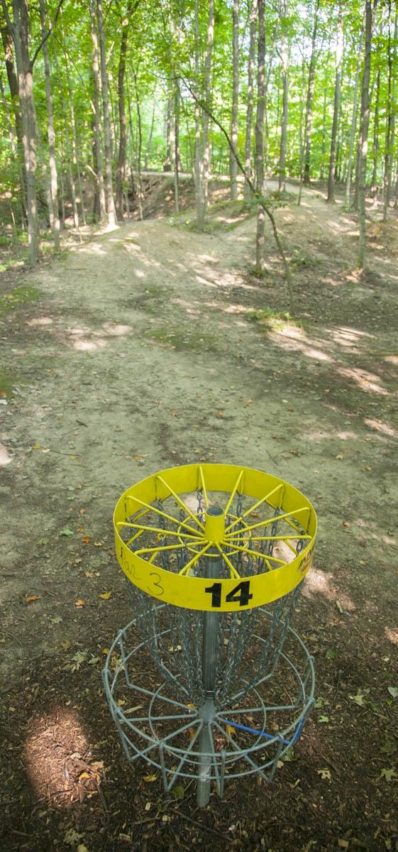 FrisbeeGolf 012.JPG