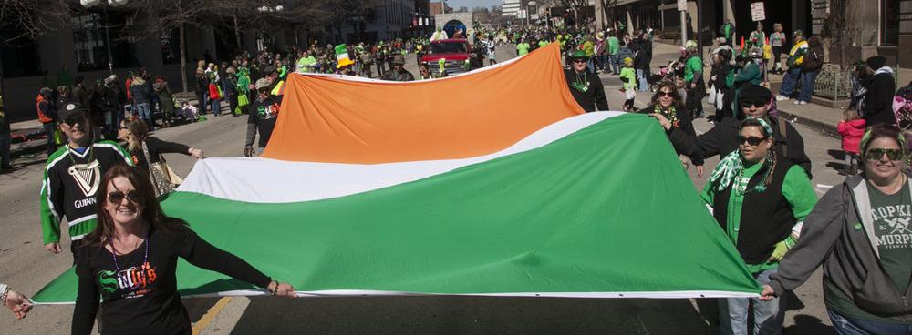 2014 Peoria St Pats Parade 125.jpg