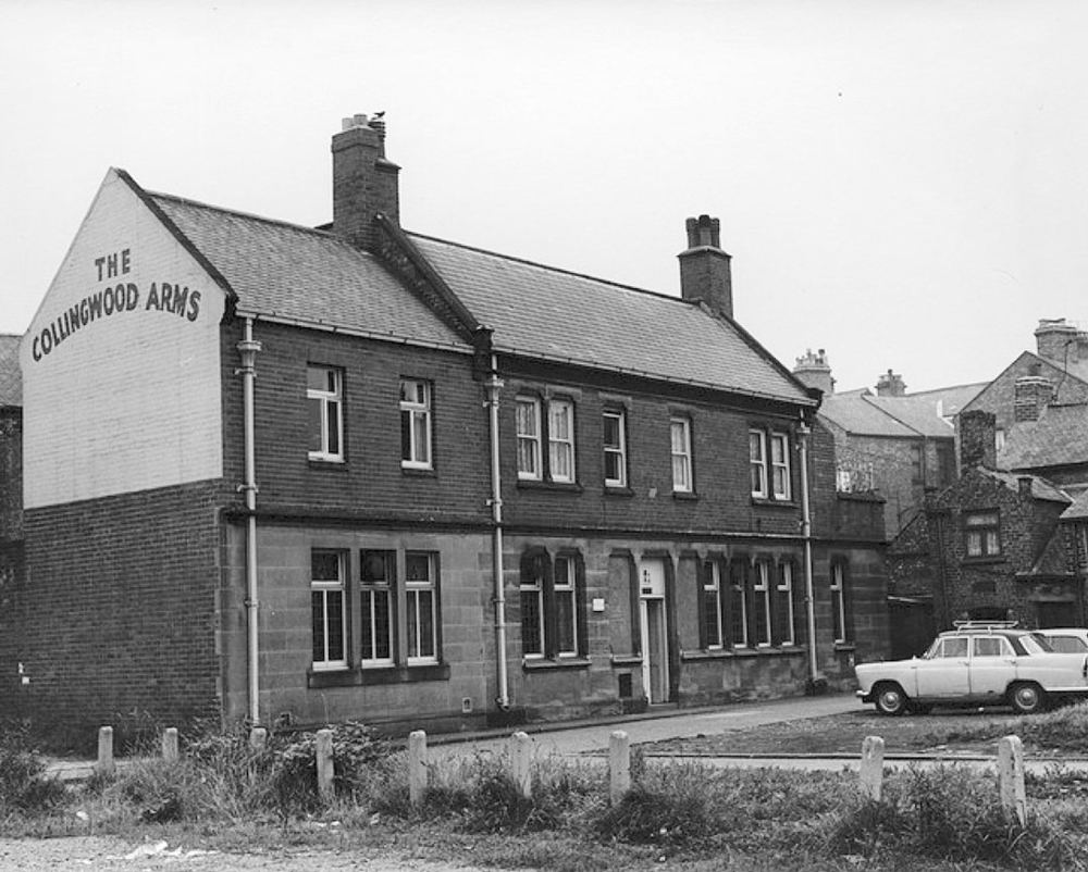 The Collingwood in 1966 prior to the extension. At this time there was doors and windows on both sides of the pub.  © Newcastle City Library