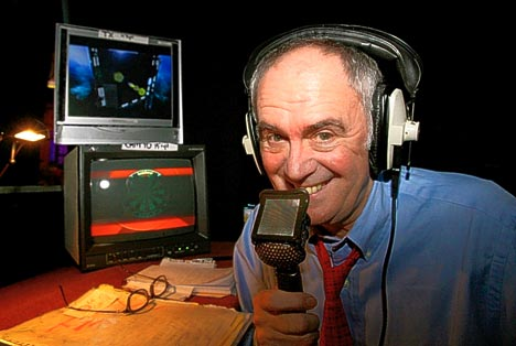 28. Sid Waddell was well known for waxing lyrical about which activity? Darts