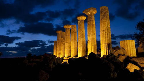4. On which European island are the Greek ruins of Agrigento to be found? Sicily