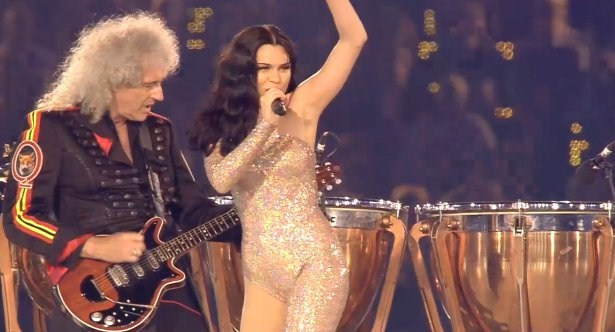 18. Which veteran guitarist did Jessie J perform with at the London 2012  Olympics closing ceremony? Brian May of Queen