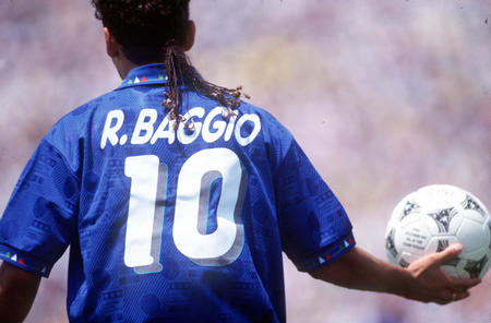 27. Which Italian football player was nicknamed 'The Divine Ponytail' because of his hairstyle? Roberto Baggio