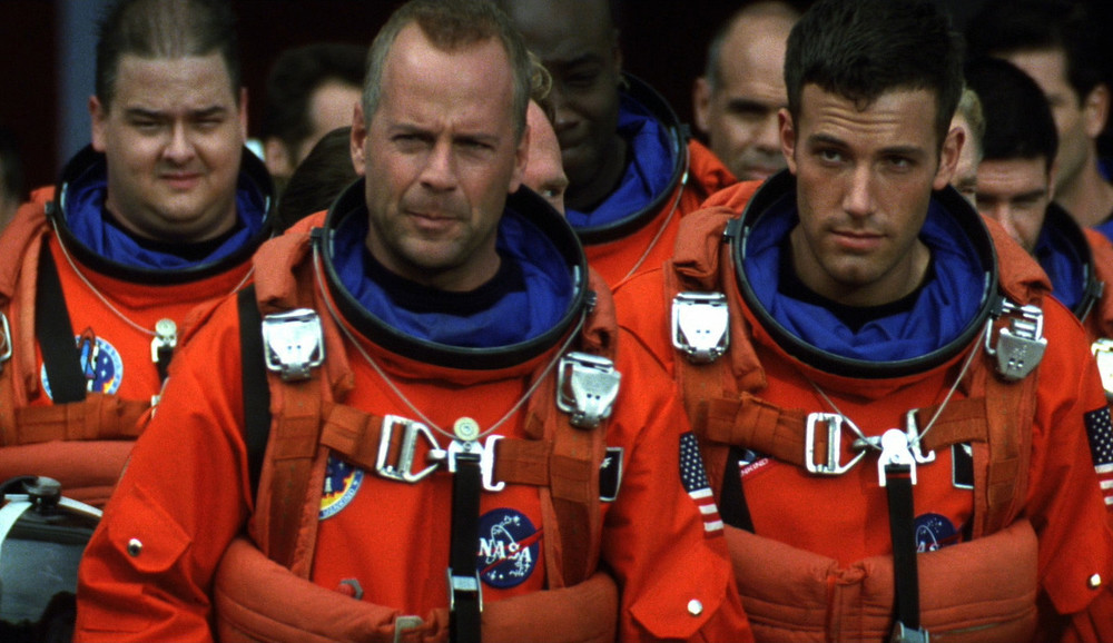 34. In which 1998 movie did Bruce Willis play an oil-driller called Harry Stamper who attempts to save the world from being destroyed by an asteroid? Armageddon