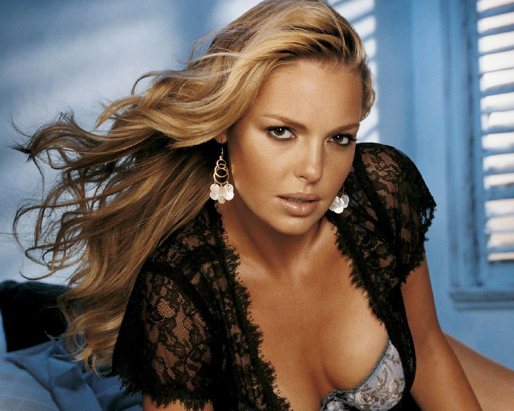 40. Who plays the character Dr. Isobel 'Izzie' Stevens in the TV series Grey's Anatomy? Katherine Heigl