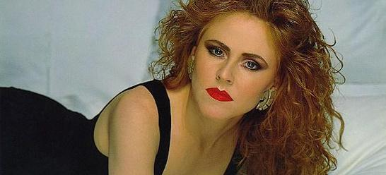 Q19 Carol Decker was the lead singer of which group that had a 1987 number one hit with China in your Hand? T'Pau