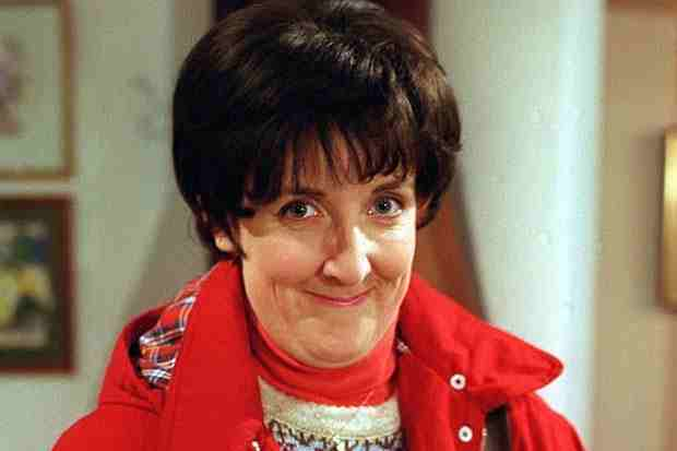 Q35 Which Coronation Street character is leaving the show after 15 years when their contract expires at the end of 2013? Hayley Cropper