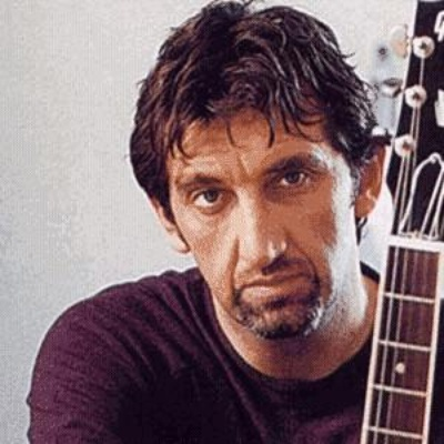 Q33 Which actor/singer played Jed Sheppard in Crocodile Shoes? Jimmy Nail