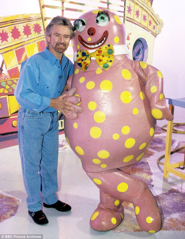 Q32 Which character from Noel's Houseparty had a No.1 Hit in 1993? Mr Blobby