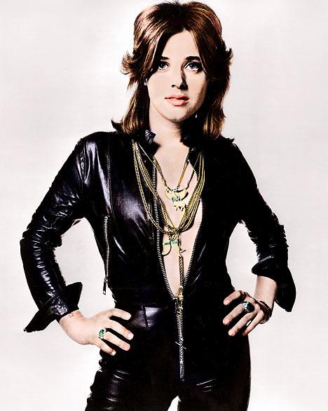 Q19 Who released the 1973 song 48 Crash? Suzie Quatro