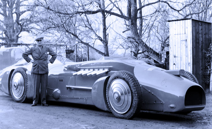 Q5 Who broke the world land speed record nine times between 1924 and 1935? Malcolm Campbell