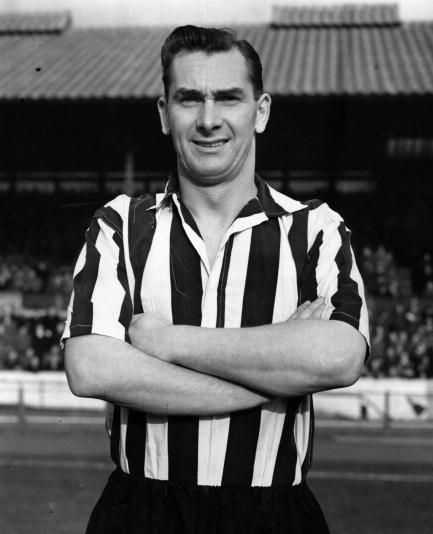 Q22 Sir Bobby Charlton is related to which legendary 1950s Newcastle United player? Jackie Milburn