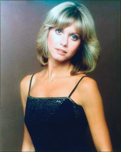 Q19 Who had a hit with the Banks of the Ohio in 1971 and Hopelessly Devoted to You in 1978? Olivia Newton John