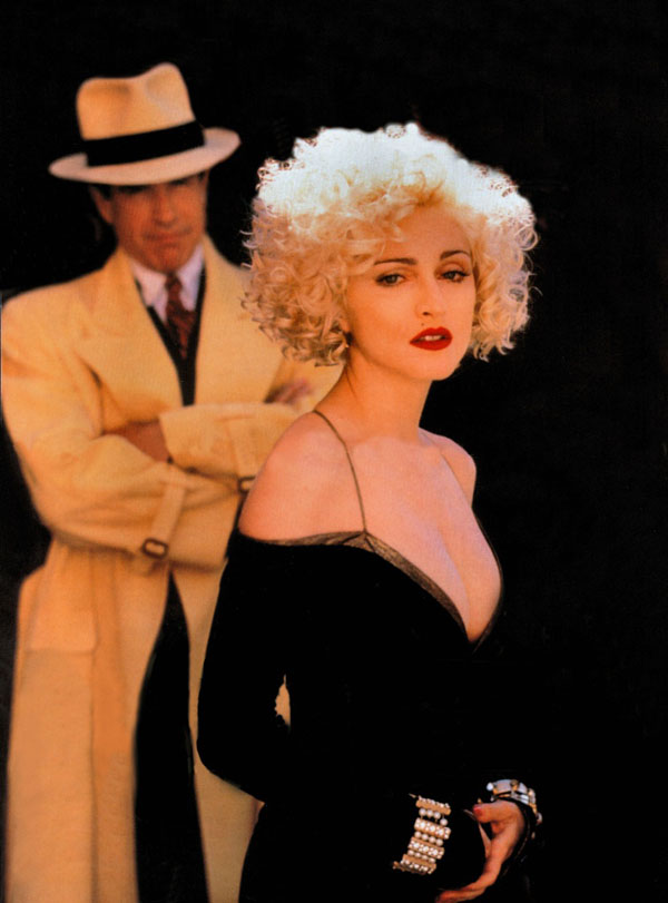 Q33 Who played the part of Breathless Mahoney in the 1990 film Dick Tracey? Madonna