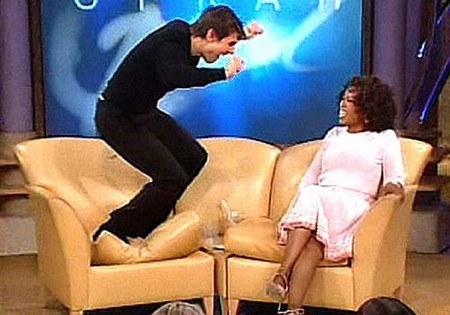 Q39 Which actor famously jumped on the couch during an Oprah Winfrey show to show how excited he was about his forthcoming wedding? Tom Cruise