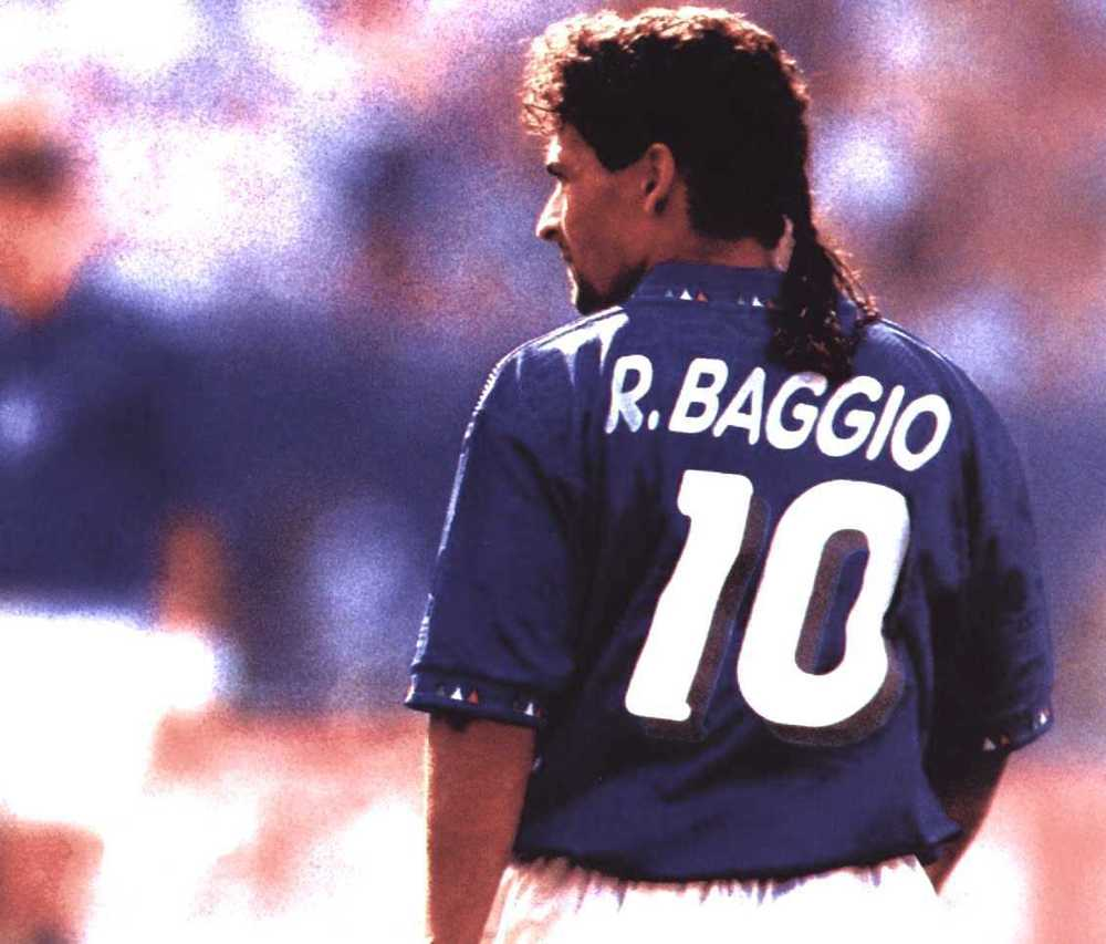 Q21 Which Italian footballer was nicknamed The Divine Ponytail? Roberto Baggio