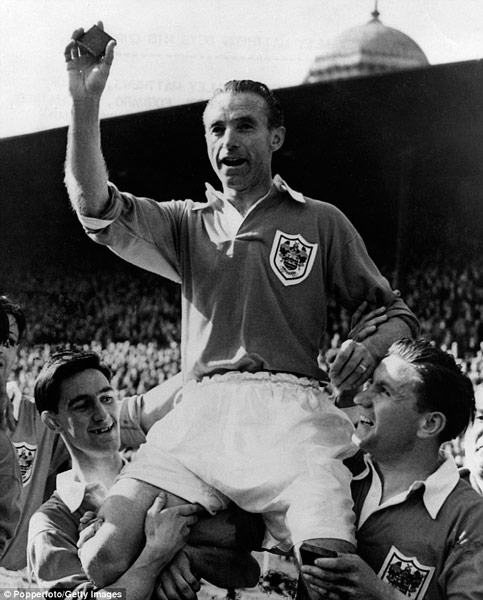 Q26 Which player will be forever connected with the 1953 FA Cup Final? Sir Stanley Matthews
