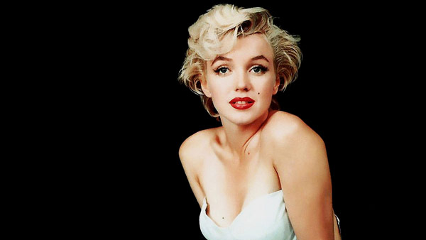 Q1 Who famously sang Happy Birthday to President Kennedy in 1962? Marilyn Monroe