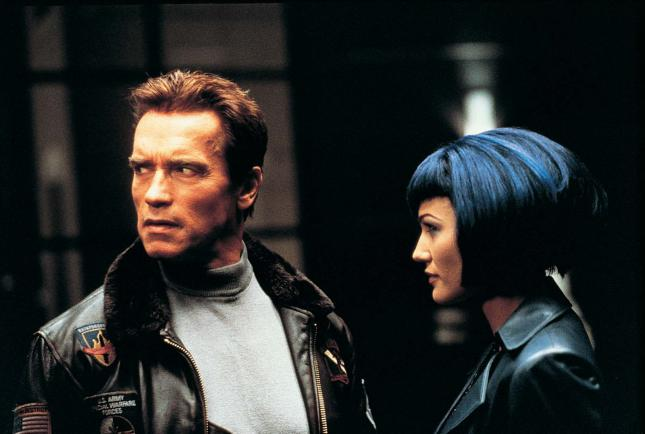 Q39 Which 2000 film saw Arnold Schwarzenegger coming face to face with his clone? The 6th Day