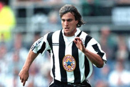 Q22 Who signed David Ginola when he left Newcastle in 1997? Tottenham Hotspur