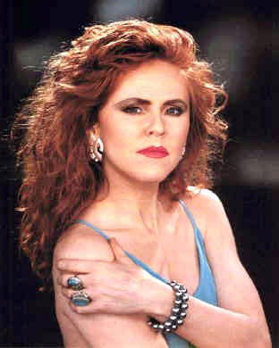 Q13 What was the full name of the lead singer from T'Pau who had a 1987 number one hit with China in your Hand? Carol Decker