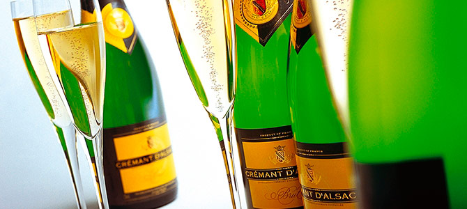 Q9 What are the sparkling wines made in the regions of Alsace, Bordeaux and Loire called? Crémant