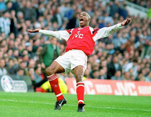 Q28 Which player transferred to Arsenal (from Crystal Palace) in 1991 for £2.5 million which was a club record fee at the time? Ian Wright