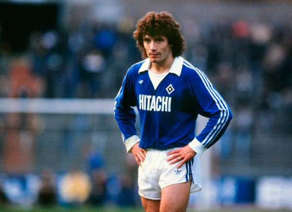 Q25 In 1977 Kevin Keegan left Liverpool to join which club? Hamburg