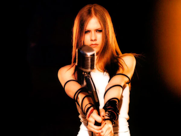 Q15 Which (Canadian) artists first hit in 2002 was entitled Complicated? Avril Lavigne