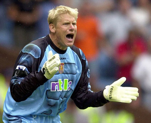 Q25 Who was the first goalkeeper to score a Premier League goal? And for a bonus point which team did he play for? Peter Schmeichel against Everton whilst playing for Aston Villa