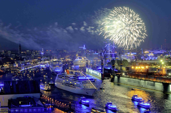 Q5 The German port of Hamburg lies near the mouth of which major European river? The Elbe
