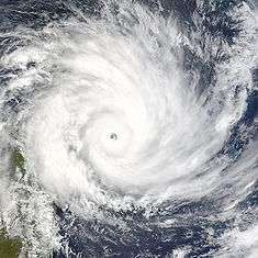 Q28 What was the name of the devastating cyclone that flattened Darwin, Australia on Christmas Day 1974? Tracy