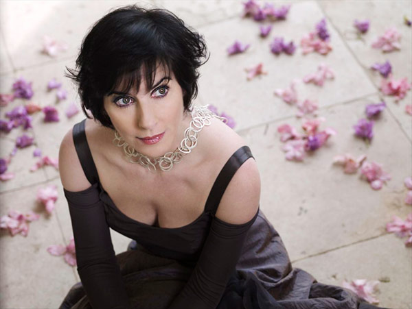 Q14 Orinoco Flow was a number 1 hit for which singer in 1988? Enya