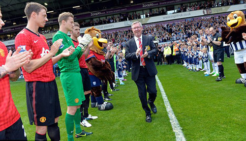 Q30. In Sir Alex Ferguson's last game as manager of Manchester United who were the opposing team? And for an additional point what was the final score in the Game? West Brom and the final score was a memorable 5-5 draw