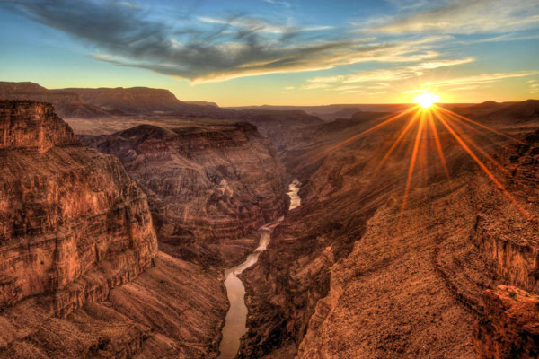 Q2 In which US state is the Grand Canyon? Arizona